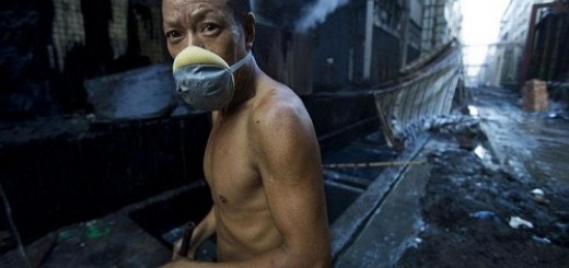chinese pollution and worker