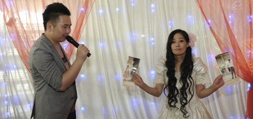 Chinese Woman Holds Divorce Ceremony