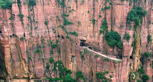 Top Most Dangerous Roads In China - The 10 scariest roads in the world