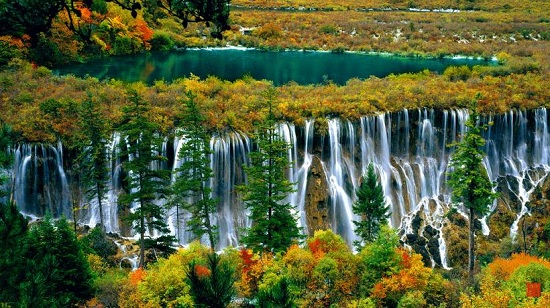 Jiuzhai-Valley-Waterfalls.jpg