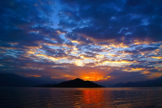 Lugu Lake sunrise