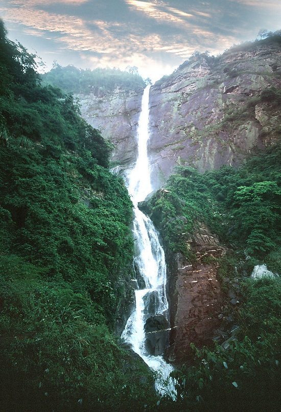 The 10 Best Waterfalls Of China