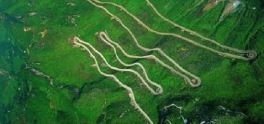 The Sichuan-Tibet Highway dangerous