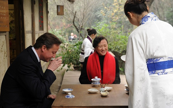David Cameron in tea house in Chengdu