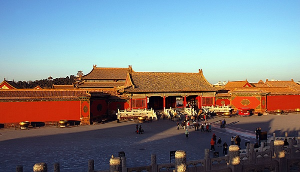 forbidden city outer court and inner court border