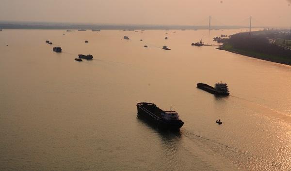 yangtze river freighters