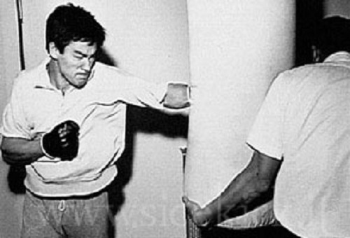 bruce-lee-heavy-bag