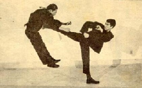 Top 10 Bruce Lee's Surprising Physical Feats