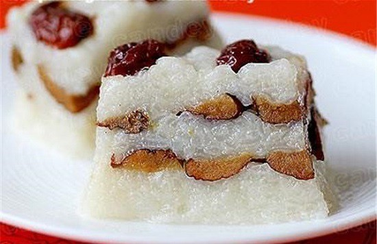 Top 10 Traditional Chinese Cakes You Must Eat