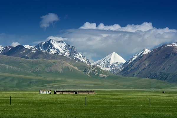 tianshan mountain